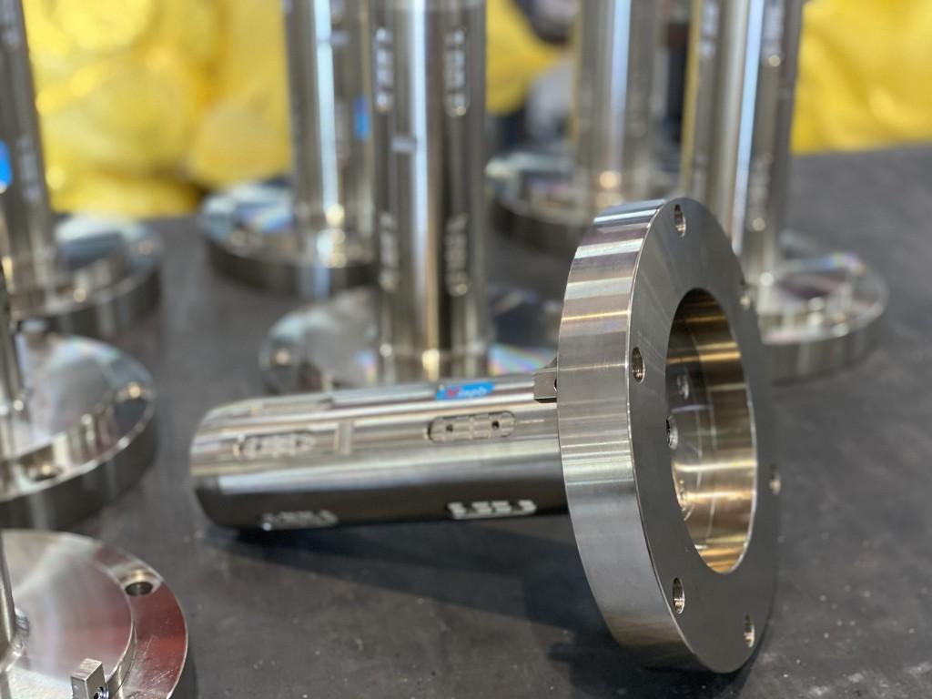 氣壓軸圓盤固定式(軸身與軸心用圓盤對接) 方便更換軸身而不需拆裝傳動部